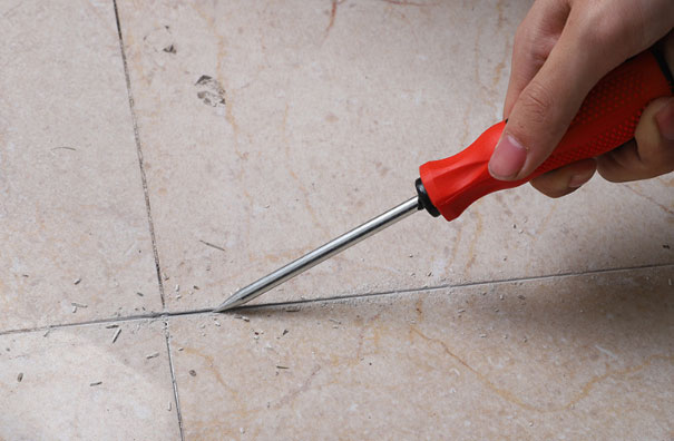 grout-removal-tool-removal-hook-application