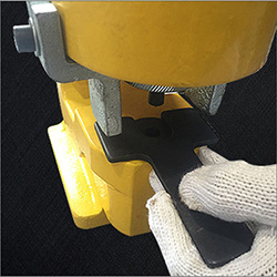 Instructions 4 of 31T/35T Portable Hydraulic Punching Machine