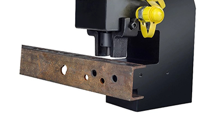 Use Hydraulic Punching Machine Punching in U-Steel